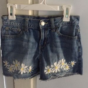 Girls Old Navy Daisy Embroidered Jean Shorts